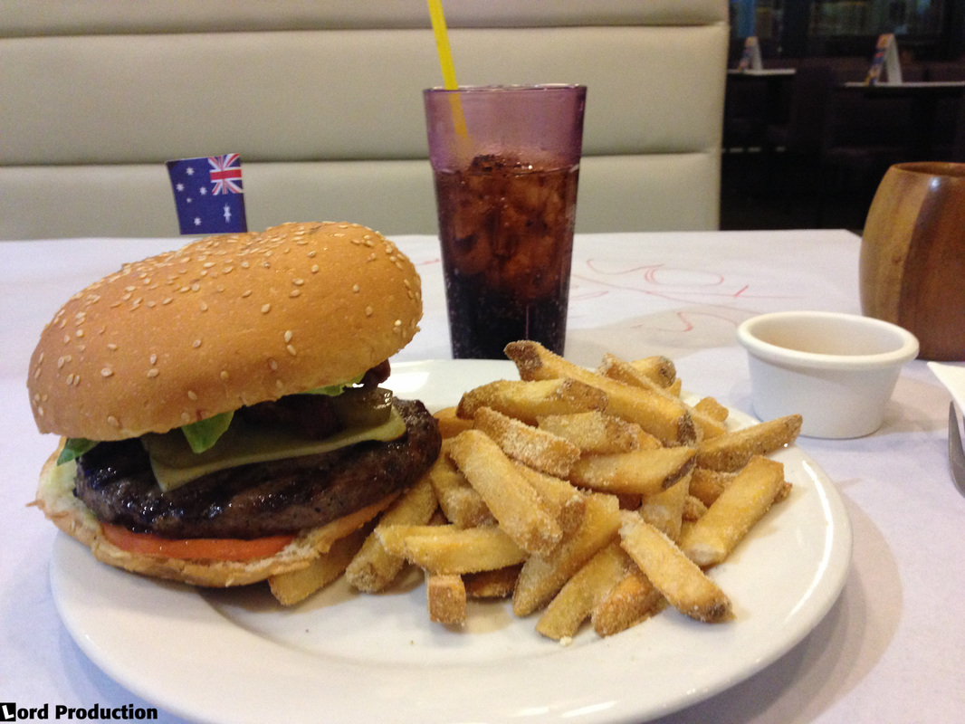 Bacon Cheeseburger at Burgoo American Bar and Restaurant in Mall of Asia, Manila