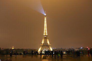 The Eifell tower by night