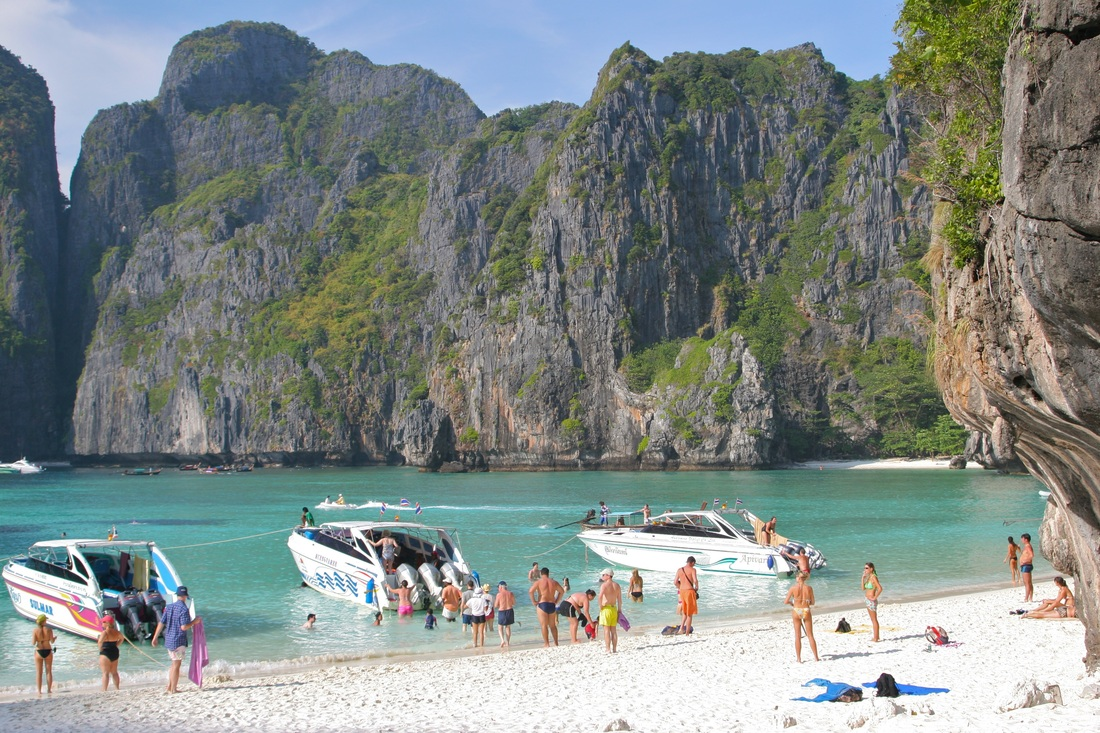 The beach Ko Phi Phi Thailand